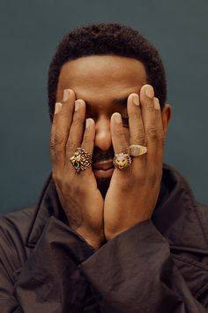 Lakeith Stanfield Is A New Kind Of Romantic Hero Portrait Photography Men, Photography Poses For Men, Jewelry Photography, Men Portrait, Photoshoot Concept, Men Photoshoot, Poses Photo, Black Actors, Shooting Photo