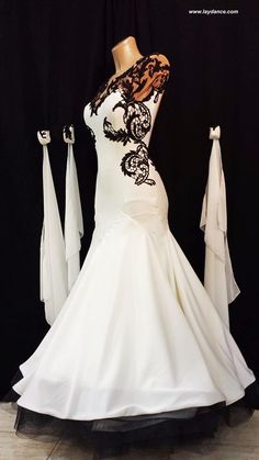 Black & White Lace Standard