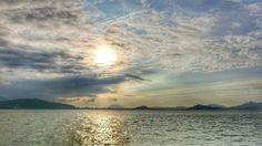 26 Sep. 16:55 薄日が差し始めた博多湾です。 Evening  at  Hakata bay in Japan