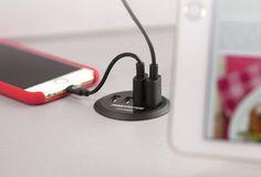 Der Tizi Toploader erweitert den Schreibtisch um vier praktische USB-Ladestationen. (Foto: Tizi)