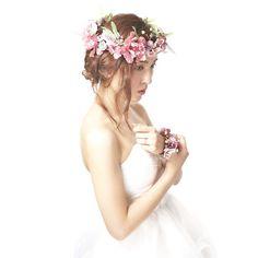 パープルの花冠とリストブーケのSET^ ^ 後れ毛のあるナチュラルなヘアスタイルにぴったりです。 flowercrown♡No.fc091  #mekku #wedding #bridal #headdress #headaccessory #headpieces #花嫁ヘア  #花嫁準備 #結婚式 #ウェディング #ウェディングアクセサリー #プレ花嫁 #ヘッドドレス #ヘッドアクセ #ブライダル #花冠