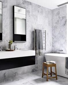 Black and White Bathroom Decor . 24 Luxury Black and White Bathroom Decor . How to Master the Black Bathroom Trend Pivotech Grey Marble Bathroom, Gray And White Bathroom, White Bathroom Decor, Grey Bathrooms, Modern Bathroom Design, Beautiful Bathrooms, Bathroom Interior Design, Bathroom Designs, Bathroom Ideas