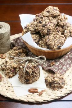 Way healthy oatmeal cookies, or when oatmeal poses as a cookie… Oatmeal Cookies No Sugar, Healthy Oatmeal Cookies, Oat Cookies, Healthy Treats, Healthy Recipes, Healthy Foods, Good Food, Yummy Food, Biscuits