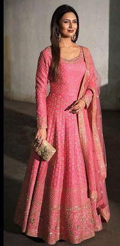 Indian Gowns Dresses, Indian Fashion Dresses, Indian Designer Outfits, Indian Outfits, Designer Dresses, Flapper Dresses, Silk Anarkali Suits, Anarkali Dress, Lehenga