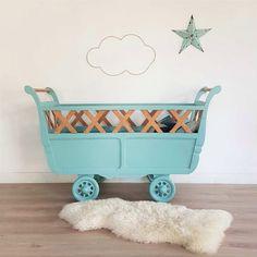 Achille, le lit de bébé vintage en bois