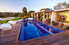 Casa Beverly Hills por JENDRETZKI Arquitectura