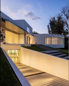"283 Me gusta, 1 comentarios - Architecture Industry (@architecture_industry) en Instagram: ""CUMBAYA HOUSE Architects Diego Guayasamin Arquitectos Location #Quito,#Ecuador Structural Design…"""