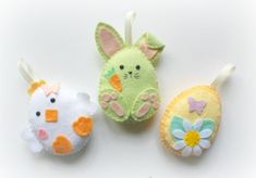 Handmade Ribbon This listing is for a set of 9 felt Easter decorations bunnies, 3 eggs, 3 chi… Easter Garland, Felt Garland, Easter Tree, Felt Ornaments, Hoppy Easter, Easter Bunny, Easter Eggs, Easter Chick, Easter Projects