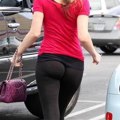 worst-2012-fashion-trends. LEGGINGS AREN'T PANTS!