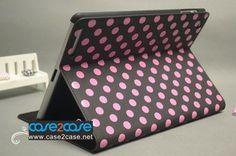 http://www.case2case.net/polka-dots-ipad-2-smart-cover-black-pink.html Polka Dots ipad 2 smart cover Black Pink
