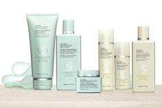 Get no-fuss formulas to help your skin look its best with this gorgeous skincare set from @lizearle