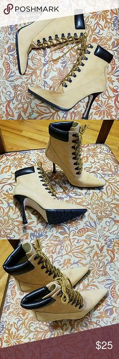STEVE MADDEN Suade leather boots Very cute boots that almost look new on the outside, there is some inside rubbing on the ankle on the inside.  Heels are 4 inches. Steve Madden Shoes Ankle Boots & Booties