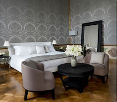 The Aman Hotel in Venice is considered one of the most prestigious and well designed hotels of the past year. One of the great choices by the designer was to make use of the Maxalto collection from B B Italia, creating a Grand Canal, Grande Hotel, Fine Hotels, Parisian Apartment, Luxury Accommodation, Luxury Hotels, Luxury Travel, B & B, Decoration