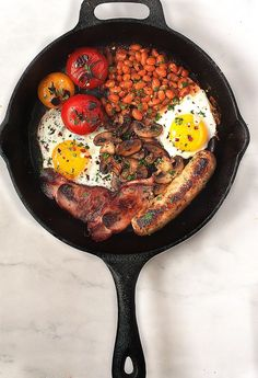A Traditional British Breakfast (and why you'll never be the same again) – Little Kitchen. Big World A Traditional British Breakfast (and why you'll never be the same again) – Little Kitchen. Breakfast Desayunos, Breakfast Recipes, Sausage Breakfast, Simply Yummy, English Food, Fish And Chips, Food And Drink, Cooking Recipes, Yummy Food