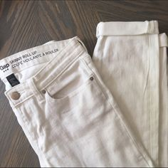 GAP Skinny Roll-up Jeans NWOT NWOT, never worn. Excellent condition. Inseam  with it doubled rolled up is 26.5. Inseam unrolled 28.5. Waist across is 14.5. Size 2/26 GAP Jeans Skinny
