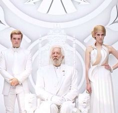 Peeta's collar has a point like a tracker-jacker stinger. And Johanna's dress looks like waves, waves of water or electricity. This is what each was tortured with...