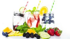 You can cut over 200 calories by swapping juice for infused water! How to make fruit-infused water: Fill up a glass with ice-water. Squeeze and/or drop fruit into the water. Infused Water Recipes, Fruit Infused Water, Healthy Eating Tips, Healthy Snacks For Kids, Healthy Recipes, Heal Cavities, Juice Smoothie, Smoothie Recipes, Holistic Nutrition