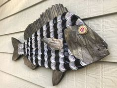 Bottle Cap Art – Sheepshead Fish Flaschenverschluss Art – Sheepshead Fish Related posts: Creative Little Fish Crafts für Kinder (Fun for ocean themed art projects) Beer Bottle Crafts, Beer Cap Crafts, Bottle Cap Projects, Diy Bottle, Bottle Caps, Beer Cap Art, Beer Caps, Bottle Top Art, Cork Art