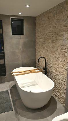 Set The Ideal Mind Set With Washroom Tiles 35 - beterhome Bathroom Goals, Bathroom Inspo, Bathroom Inspiration, Bathroom Interior, Modern Bathroom, Small Bathroom, Master Bathroom, Washroom Tiles, Bathroom Toilets