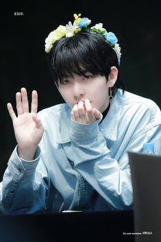 Hug Me Please, I Hug You, Kpop Boy, Youngjae, Bias Wrecker, Handsome Boys, Jaehyun, K Idols, Boy Groups