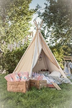 Set up a cute teepee/fairy tent at the wedding for children to play in or for photo booth. Perfect for a wedding in garden party style / backyard. Romantic Picnics, Wedding With Kids, Wedding Ideas, Wedding Inspiration, Kids Corner, Cozy Corner, Summer Garden, Wedding Decorations, Garden Decorations