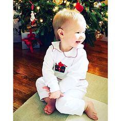 The prettiest present under the tree!!  Thanks @jennagitschlag for sharing! #littleenglishclothing #leclothingfan #countdowntochristmas #classicchildrenswear