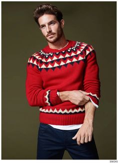 After suiting up for H&M and donning casual fall styles for Simons, model Justice Joslin reunites with the Canadian retailer. Sporting smart holiday styles, Justice is festive but casual. From fair isle print sweaters and timeless plaids to the baseball tee, Justice brings a certain sensibility to the season. Enjoyed this update?Stay up to date,... [Read More]