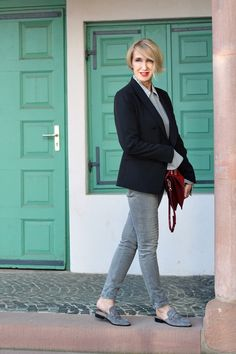 A fashion blog for women over 40 and mature women Jacket: Tiger of Sweden Blouse: Dorothee Schumacher Pants: Zara Shoes: Steve Madden Bag: Chloé