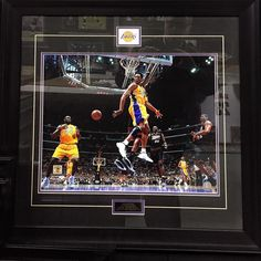 Another fantastic framed sports memorabilia in our store waIting for you!  Link in Bio. #lalakers #nba #basketball #la #losangeles