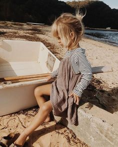 Cute little girls outfit! Source by erdenkindsimone fall fashion kids Cute Little Girls Outfits, Little Girl Fashion, Toddler Fashion, Kids Fashion, Fashion Fall, Fashion Clothes, Little Girl Style, Fashion Ideas, Fashion 2016