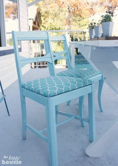 Like the blue on blue.Turn Thrift Store Dining Chairs into Outdoor Chairs at The Happy Housie