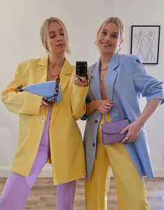 Many are wearing vibrant bright colours right now to lift their mood. See my favourite colourful outfits I have seen this month. Stylish Outfits, Cute Outfits, Fashion Outfits, Womens Fashion, Fashion Trends, Office Outfits, Simple Outfits, Colourful Outfits, Colorful Fashion