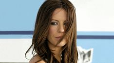 Kate Beckinsale Cute Pose