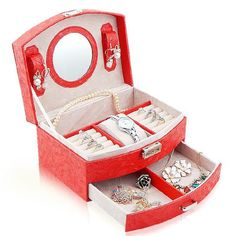 TWO LAYERS PRETTY LEATHER JEWELRY ORGANIZER CASE  Too much jewelry to handle? This case has all the answers!  Grab here at https://www.thecasesstore.com/products/two-layers-pretty-leather-jewelry-organizer-case  Happy Shopping! #Jewelrycase #Jewelrybox #Jewelrybag #Cases #thecasesstore #bestseller #topcases2018