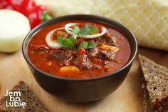 Kitchen Recipes, Cooking Recipes, Goulash, Polish Recipes, Food Inspiration, Stew, Catering, Chili, Curry