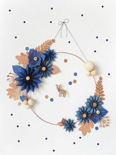 DIY : La couronne de Noël par Oui Oui Oui Studio - The Best Holidays and Events Trends and Ideas Noel Christmas, Christmas Wreaths, Christmas Crafts, Christmas Decorations, Xmas, Christmas Picks, Navidad Diy, 242, Diy Weihnachten