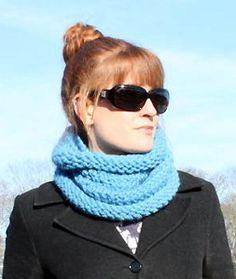 Free knit cowl pattern: Audrey Hepburn Cowl