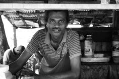 He sold me water on the hottest part of the day. I like him. #midigama #srilanka © Maikel Kersbergen