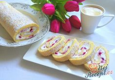 Easy Cake : Biscuit roll with cottage cheese and strawberries - Easy Recipes, Ramzan Recipe, German Baking, Easy Cake Decorating, Yule Log, Cake & Co, Pudding Desserts, Cottage Cheese, Biscuits, Easy Meals