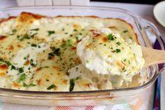 Batata gratinada com requeijão Batata Potato, Mashed Potatoes, Buffet, Vegan Recipes, Food And Drink, Meals, Cooking, Ethnic Recipes, Kitchen