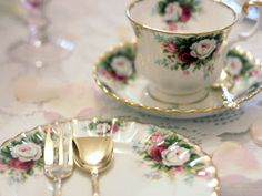 Celebration - white, red & pink rose bouquet on white bone china with gold trim    www.Royal Albert Patterns.com