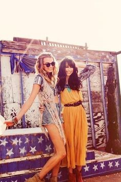Boho chic style, modern hippie fashion, Bohemian trends. FOr MORE gypsy allure FOLLOW http://www.pinterest.com/happygolicky/the-best-boho-chic-fashion-bohemian-jewelry-gypsy-/ now