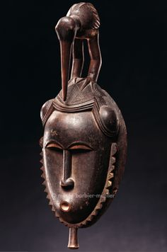 African Masks - The Barbier-Mueller Museums Statues, African Pottery, Africa People, African Sculptures, Art Premier, Indian Paintings, Art Paintings, African Artists, Watercolor Paintings Abstract