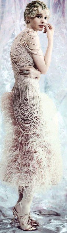Chanel fine jewelry on Carey Mulligan for the film The Great Gatsby. Great Gatsby Fashion, 20s Fashion, The Great Gatsby, Couture Fashion, High Fashion, Fashion Beauty, Vintage Fashion, Fashion Quiz, Feminine Fashion