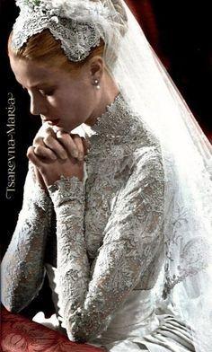 ideas vintage wedding dress princess grace kelly for 2019 Royal Wedding Gowns, Royal Weddings, Princess Wedding Dresses, Dress Wedding, Wedding Ceremony, Grace Kelly Wedding, Grace Kelly Style, Grace Kelly Fashion, Princesa Grace Kelly