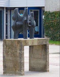 Sculptuur. Kunstenaar: Oscar Goedhart.  Locatie: Van Oldenbarneveltlaan/Willem de Zwijgerlaan in Zevenaar (gemeente Zevenaar).  Materiaal: brons.