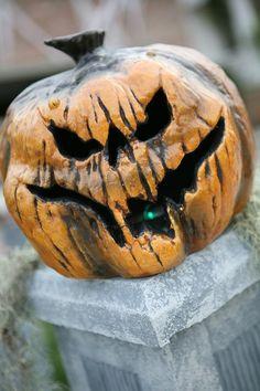 Rotkin | Rotkin sitting on one of the graveyard columns | Phantom Hollow | Flickr