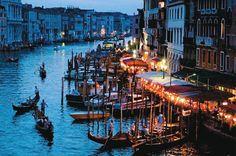 Veneza mais serena na visão da Ponte de Rialto