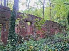Spooky Places, Haunted Places, Abandoned Places, Maryland Day Trips, Griswold Family Vacation, Beautiful Ruins, Us Holidays, Day Hike, The Great Outdoors