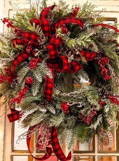 Christmas Wreaths For Windows, Christmas Ornament Wreath, Holiday Wreaths, Rustic Christmas, Christmas Holidays, Christmas Crafts, Elegant Christmas, Plaid Christmas, Christmas Centerpieces